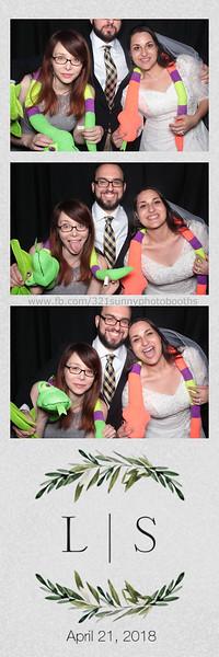 ELP0421 Lauren & Stephen wedding photobooth 99.jpg