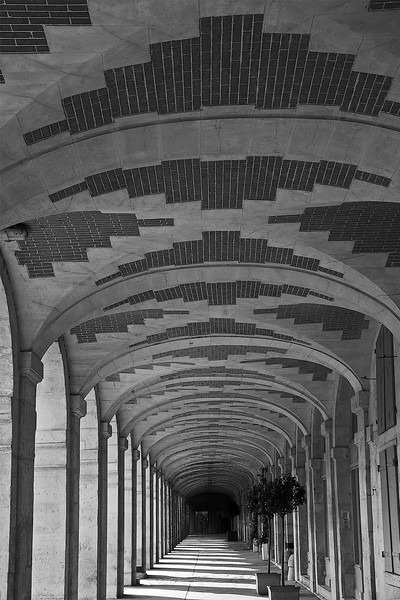 marais corridor.jpg