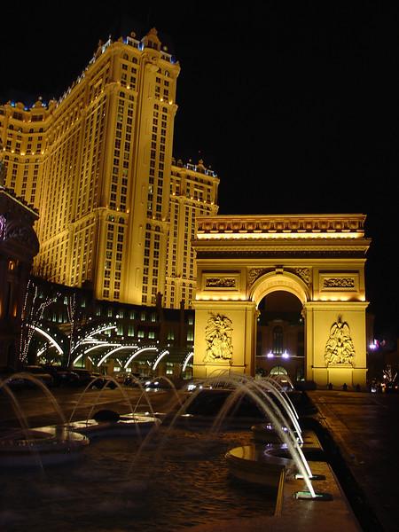 17- Paris by Night.JPG