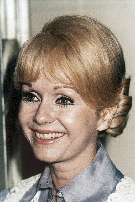 . The 42-year-old actress Debbie Reynolds during a press conference at the London Palladium in August 1974. Her show includes her seventeen year old daughter, Carrie Fisher. (AP Photo/JG)
