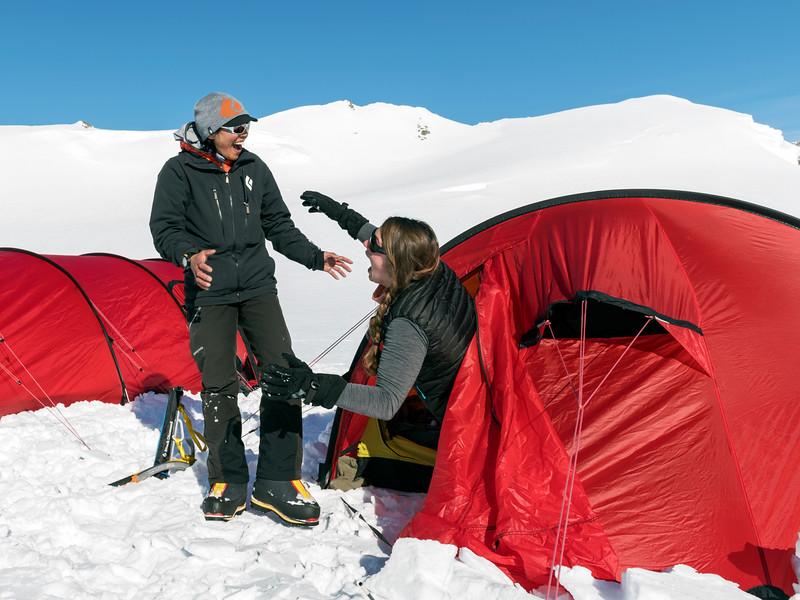 Climb Antarctica Women -1-11-18099942.jpg