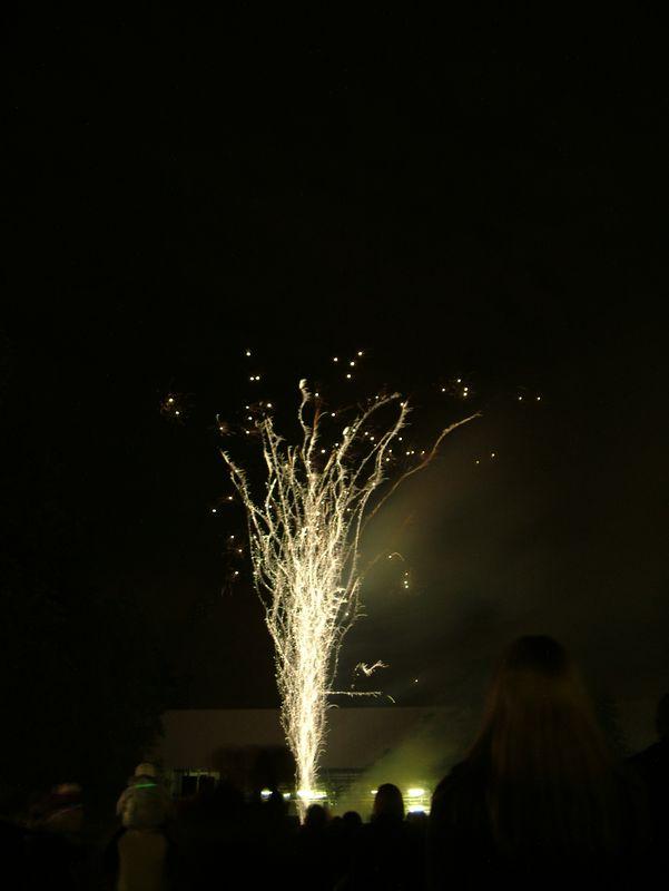 2004_1105putneyfireworks20039.JPG