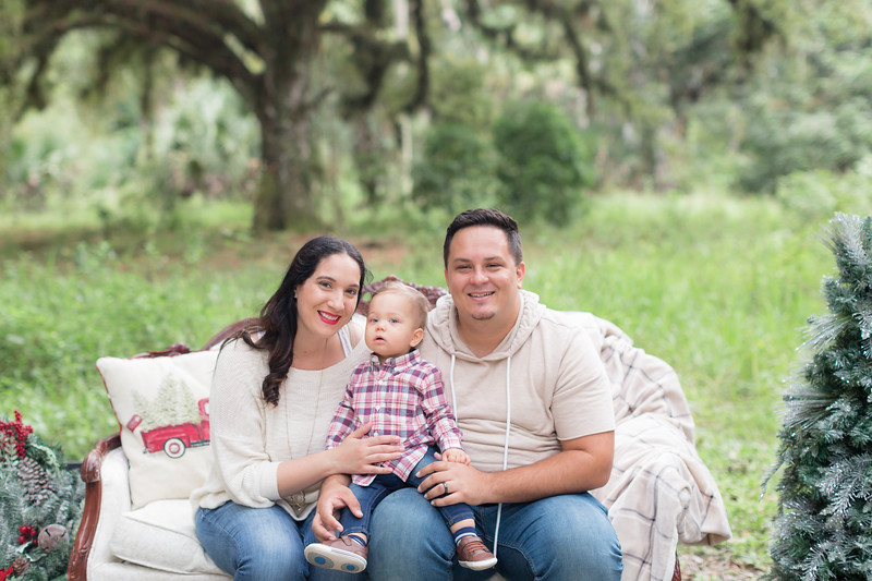 Holiday Minis- Acosta Family-9.jpg