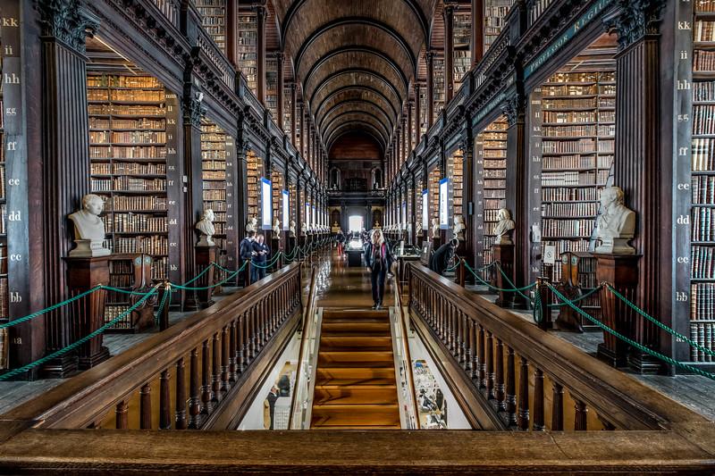 Trinity College Library 2015-11.jpg
