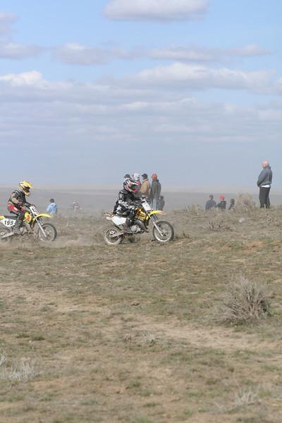 2008 Desert 100--Mini Race - Yellow Bikes