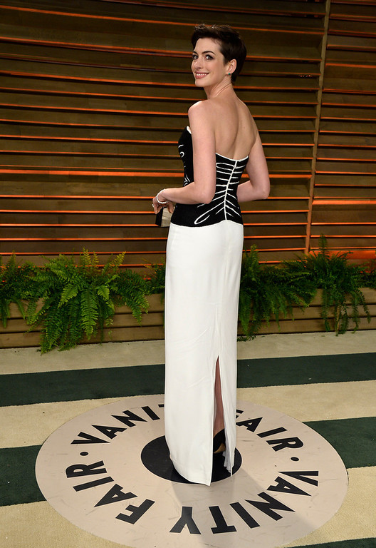 . Actress Anne Hathaway attends the 2014 Vanity Fair Oscar Party hosted by Graydon Carter on March 2, 2014 in West Hollywood, California.  (Photo by Pascal Le Segretain/Getty Images)