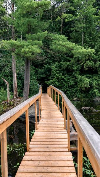 Hardy-Lake-Provincial-Park08.jpg