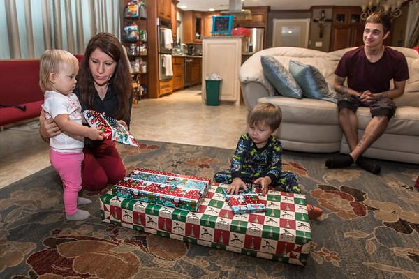 2016-12-26 Tatum & Harlowe Christmas