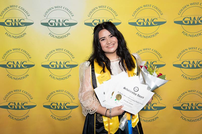 Scholarships-Awards-2019-0847.jpg