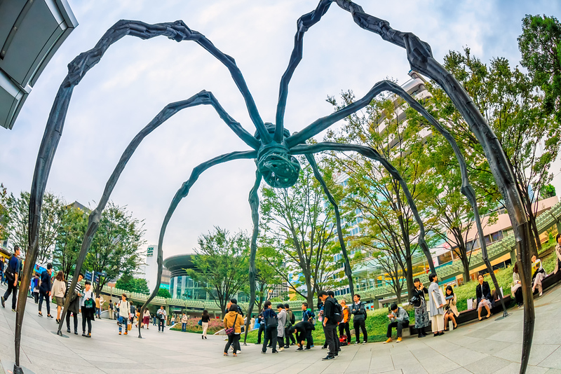 Spider sculpture at the Mori Building in Roppongi