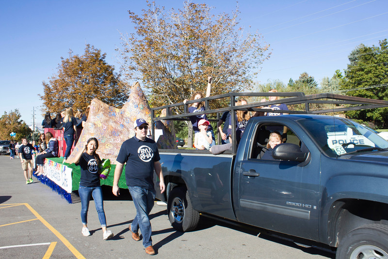 2015_10_10_Homecoming_Parade_7701.jpg