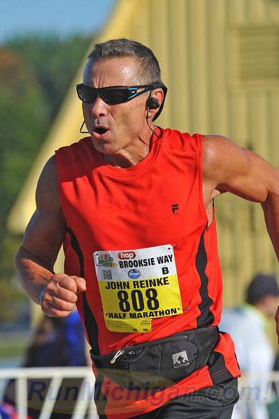 Featured Pics #1 - 2016 HAP Brooksie Way Half Marathon