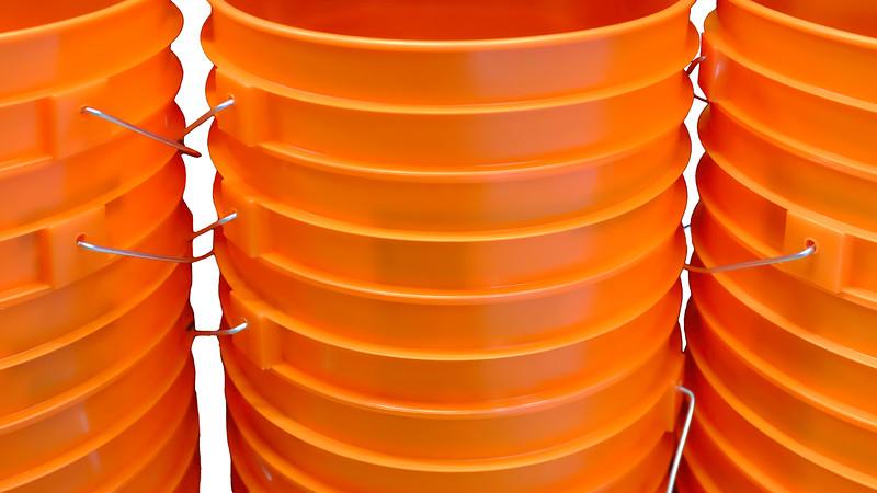 Buckets-2-100T1656.jpg