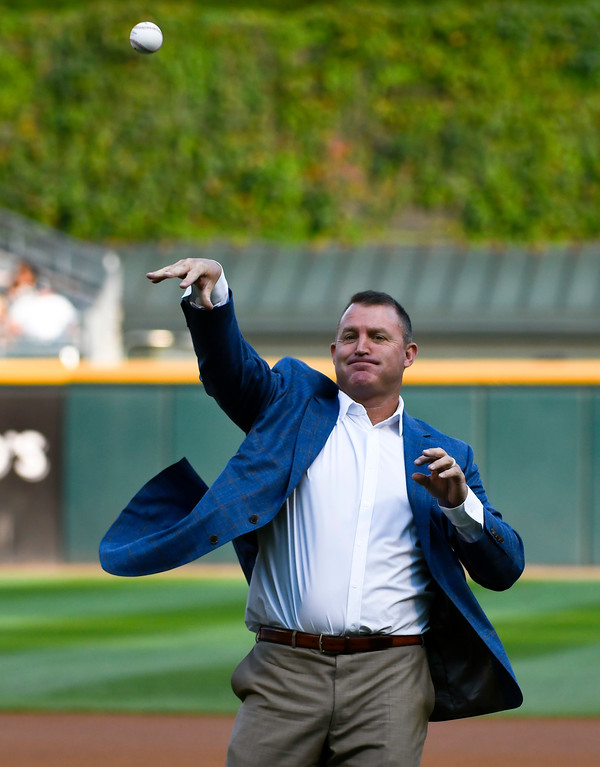 . Chicago White Sox great Jim Thome, who was recently inducted at the Baseball Hall of Fame, throws out a ceremonial first pitch before the team\'s baseball game against the Cleveland Indians on Saturday, Aug. 11, 2018, in Chicago. (AP Photo/Matt Marton)