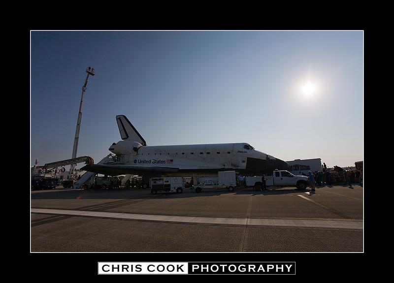 STS-135-landing-5.jpg