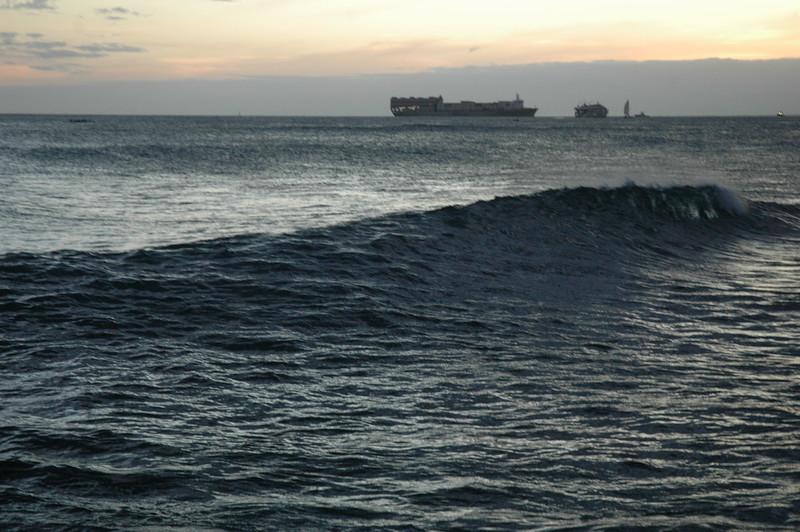 Hawaii - Ala Moana Beach Sunset-167.JPG