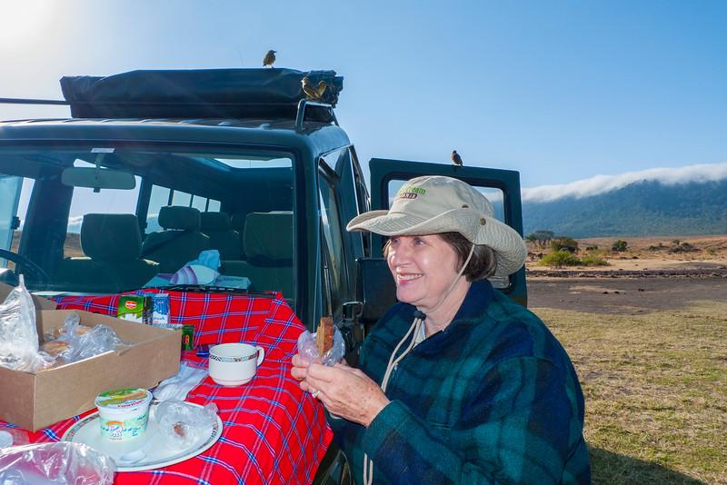 Breakfast in Ngorongoro Crater 2.jpg