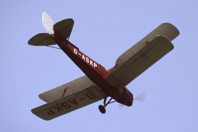 G-ASKP-DH-82ATigerMoth-Private-EGKH-1998-05-12-ER-39-KBVPCollection.jpg