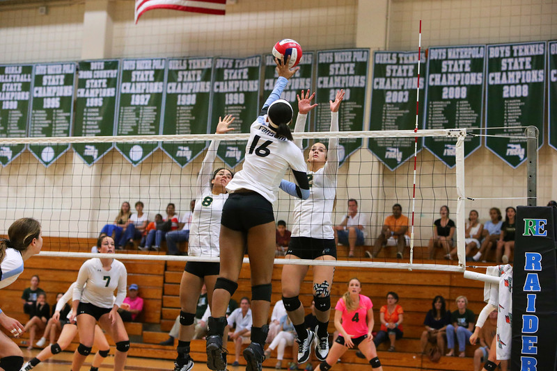Ransom Everglades Volleyball Smoothie King 2013 14.jpg