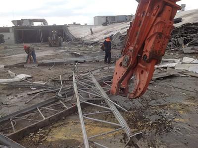NPK M28K demolition shear-commercial demolition.jpg