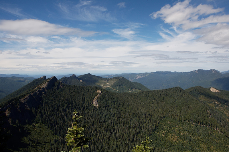 Looking West from the same viewpoint below the lookout