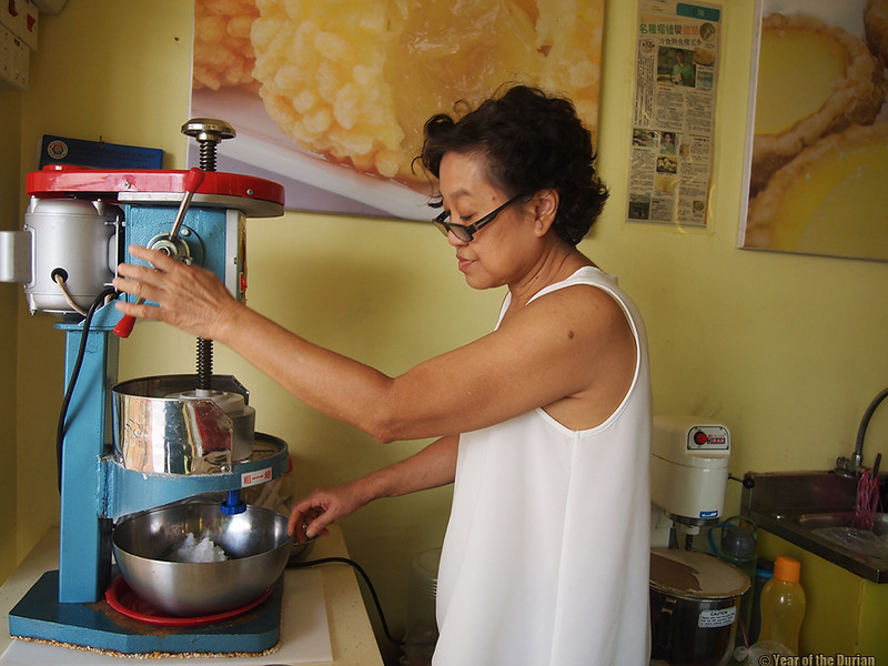 shaving-ice-durian-cottage-malacca.jpg