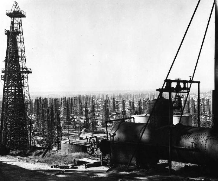 1867-1903-OilWellsInLongBeach.jpg