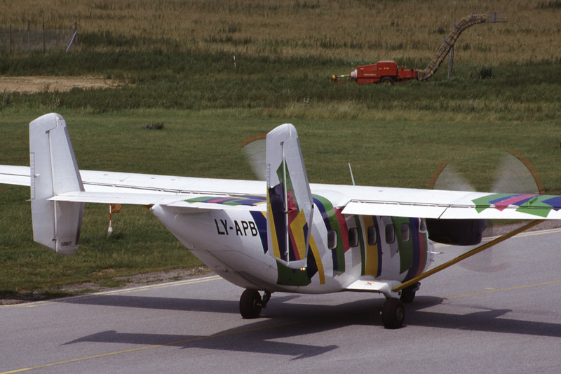 LY-APB-AntonovAn-28-Private-EKSB-2000-06-21-IT-30-KBVPCollection.jpg