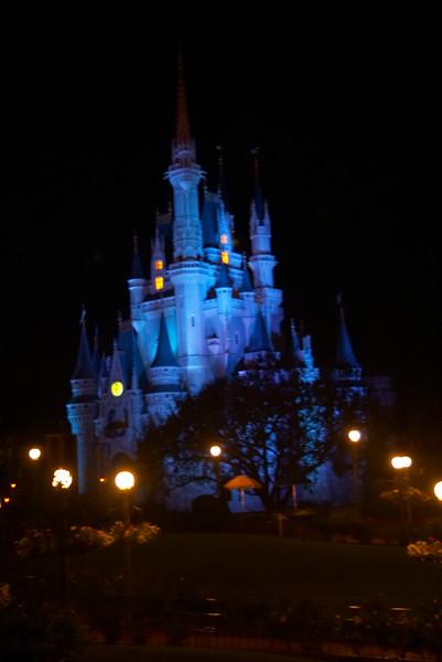 2004-12-28 - Disney: Magic Kingdom