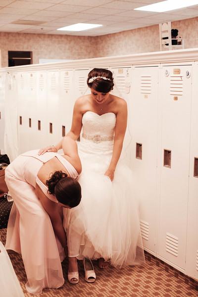 Matt & Erin Married _ getting ready  (56).jpg