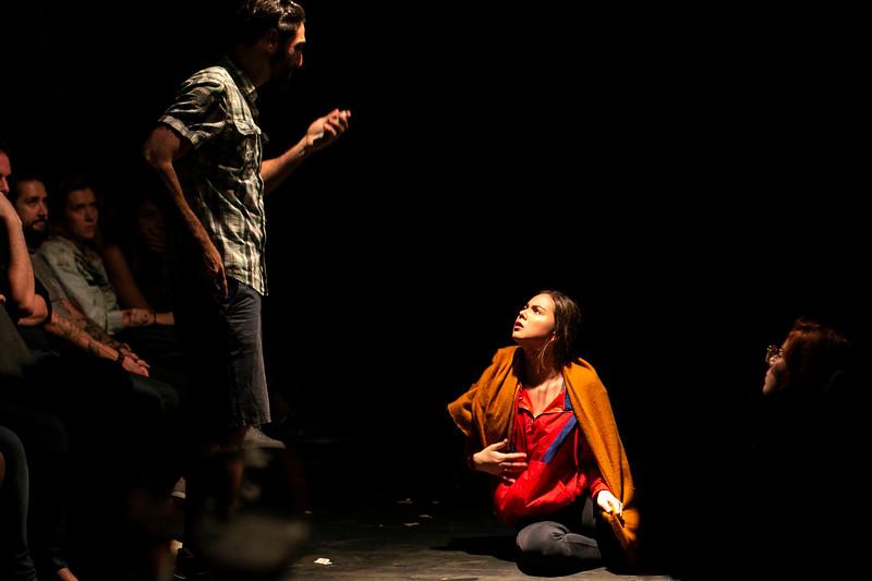 Allan Bravos - Fotografia de Teatro - Indac - Migraaaantes-214.jpg