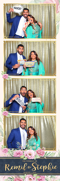Alsolutely Fabulous Photo Booth 041406.jpg