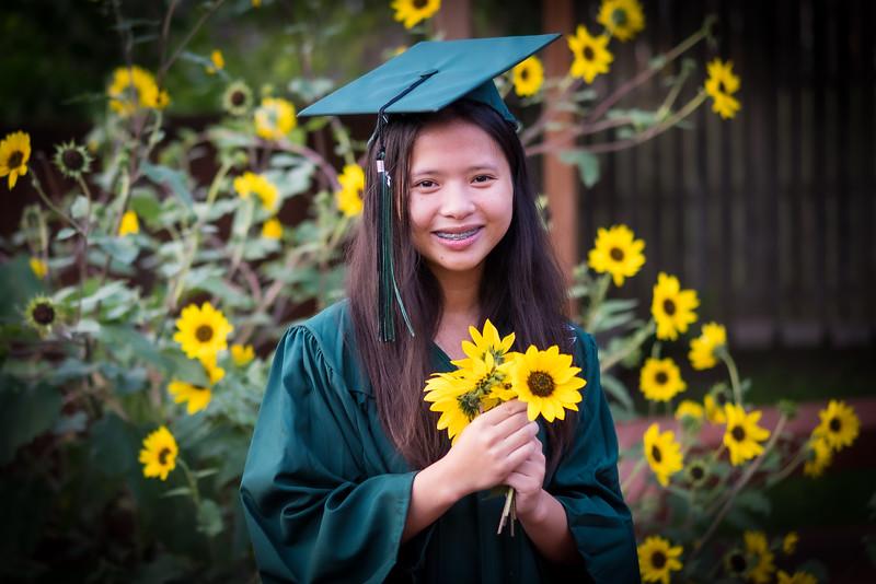 20200521_sarah-friends-connally-graduation_075.jpg