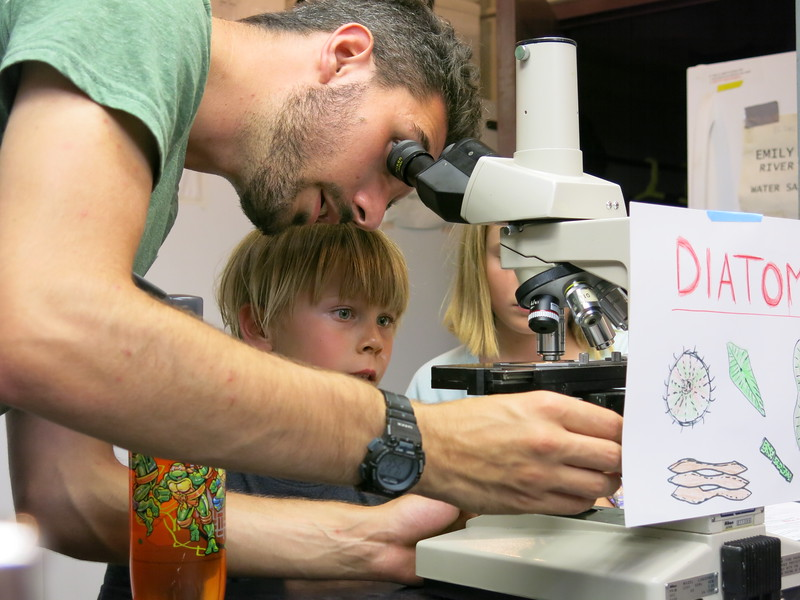 Tommy Shannon showing diatoms
