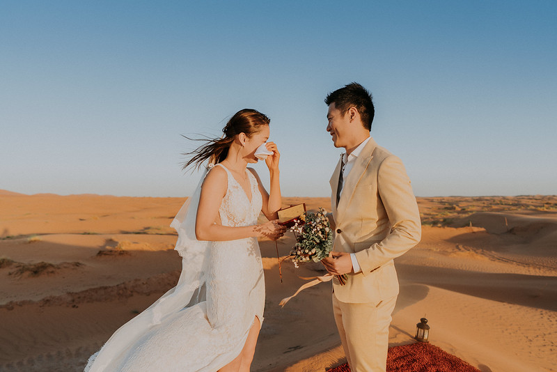 Tu-Nguyen-Destination-Wedding-Photographer-Morocco-Videographer-Sahara-Elopement-485.jpg