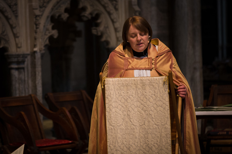 dan_and_sarah_francis_wedding_ely_cathedral_bensavellphotography (138 of 219).jpg