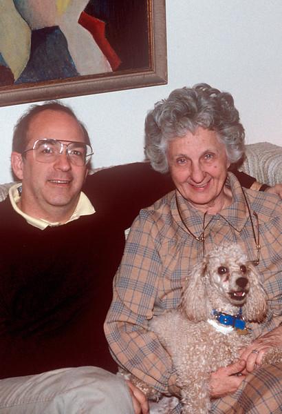 1990-12 John & Jeanne & Dog.jpg