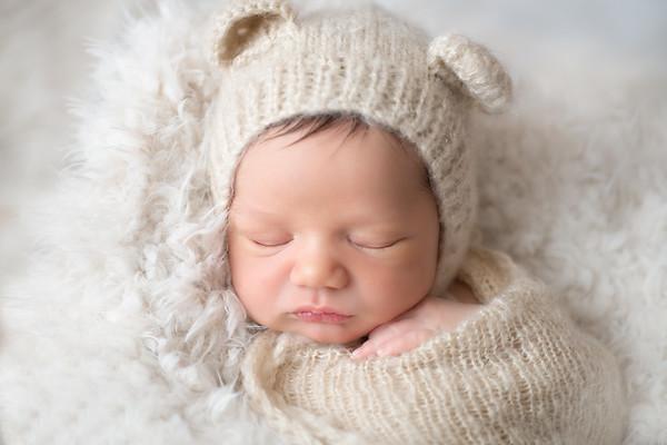 Mizban Newborn