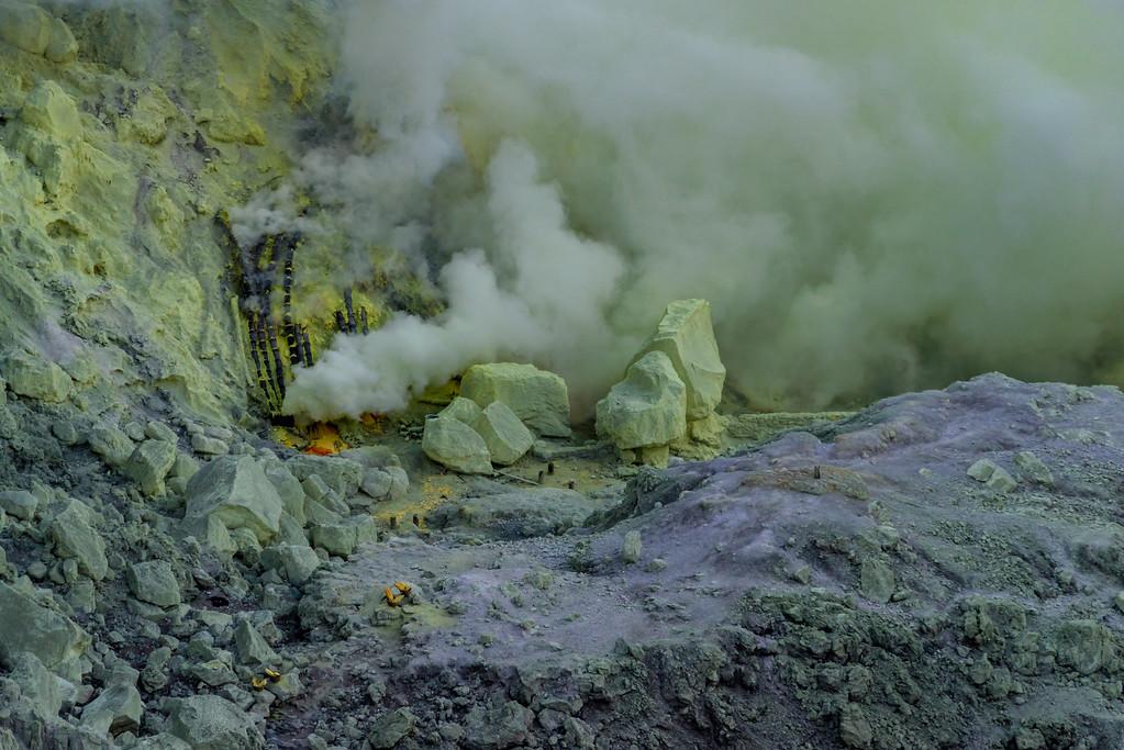 Kawah Ijen sulfur