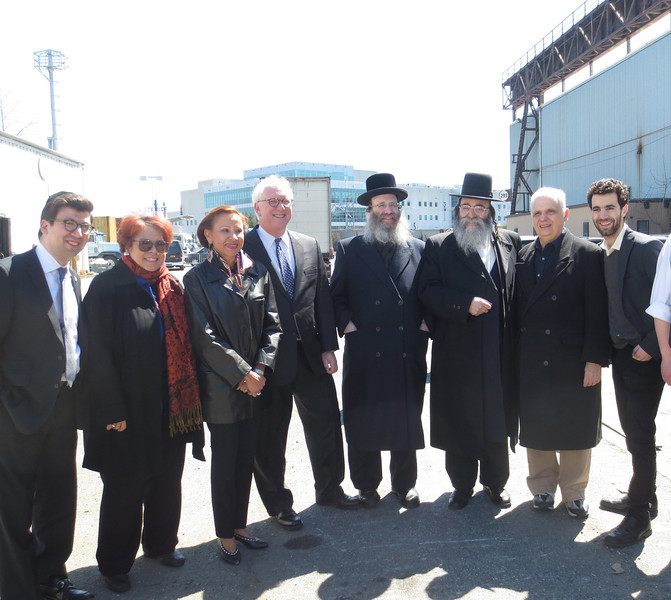 UJO Passover and elected.JPG