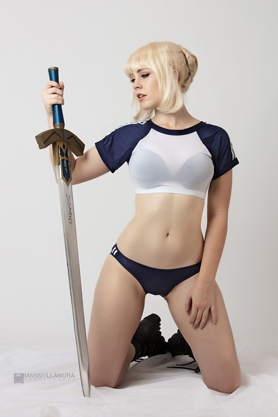 Saber Cosplay Fate Stay Night