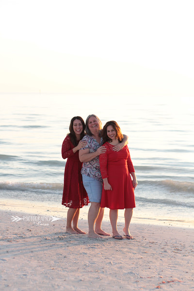 Family-Photo-Session-Honeymoon-Island-Beach-Florida-Red-Dress-Santa-Hats-Christmas-Session-Central-Florida-Tampa-Bay-Family-Photographer-Photography-By-Laina-10.jpg