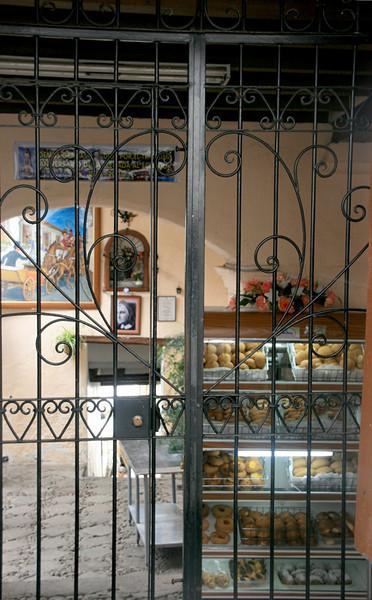 A bakery on La Ronda Street