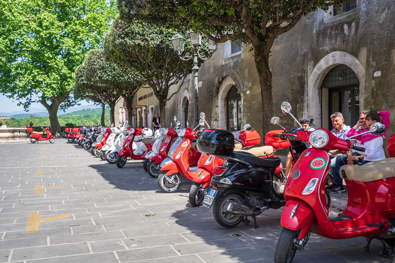 Pitigliano scooter tour