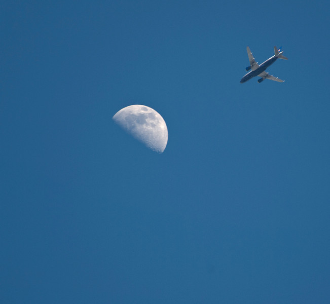United approaches the moon3.jpg