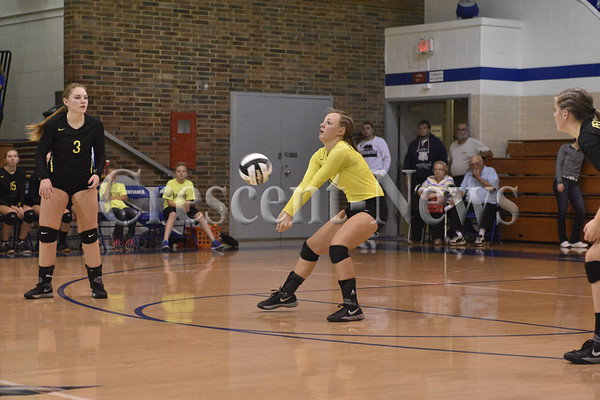 10-27-15 Sports Pettisville vs Antwerp @ DHS VB