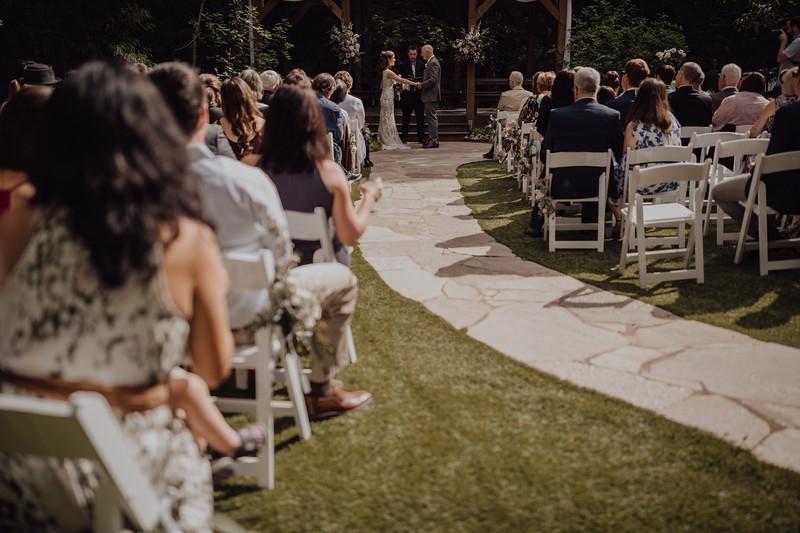 2018-05-12_ROEDER_JulieSeth_Wedding_ROEDER1_0133.jpg