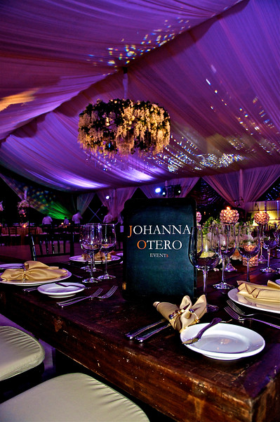 La espectacular boda de Laura Garza y Alfonso Lara por Johanna Otero Events - Photos by Andres Barria Photography