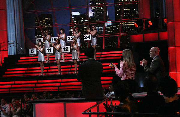 'Deal or No Deal' Show - 2/16/06
