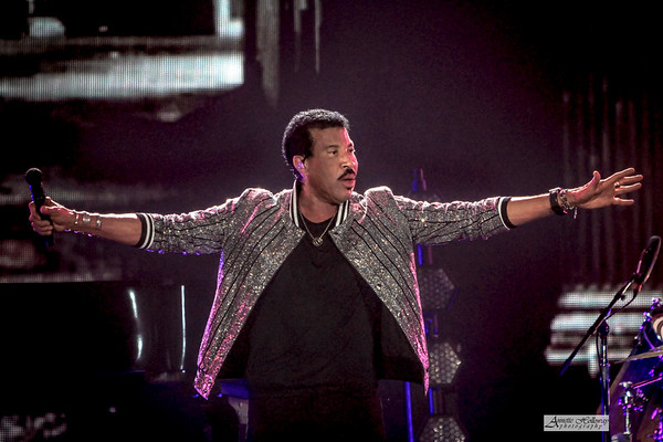 Lionel Richie | Hello Tour Norfolk, VA WM | 7-10-19